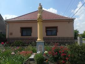 K2/145 Osli szobor