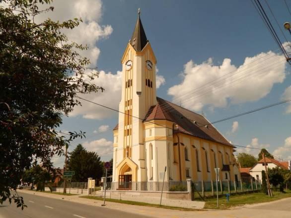 Darnozseli-Szent-Jozsef-templom.jpg